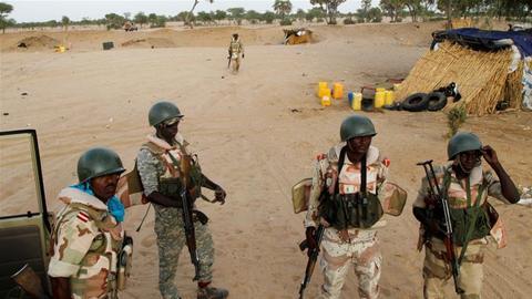 नाइजरः बंदूकधारियों का तांडव, श्मशान हो गए गांव के गांव, 3 घंटे में 137 को गोलियों से उड़ाया