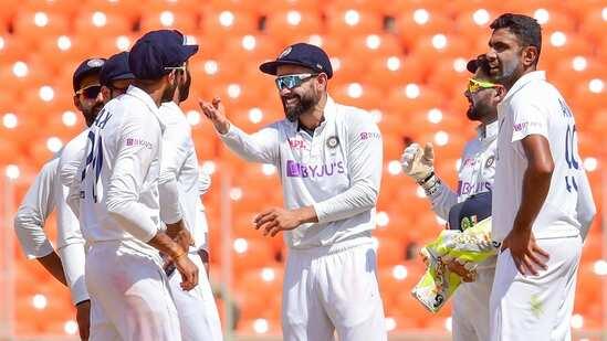 IND vs ENG: भारत ने इंग्लैंड को पारी और 25 रन से हराया