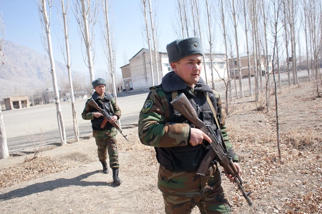 पानी को लेकर भिड़े किर्गिस्तान और तजाकिस्तान, फायरिंग में 3 की मौत
