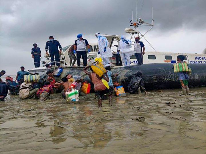 अररिया में यास तूफान ने उड़ाया गरीबों का आशियाना: घर के अंदर-बाहर पानी ही पानी