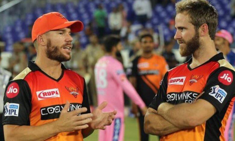 IPL: मनीष पांडे को बाहर करने से गई वॉर्नर की कप्तानी? टीम से भी हो सकते हैं बाहर