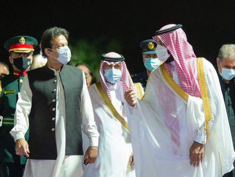 'नाराज' सऊदी अरब को मनाने पहुंचे इमरान खान, कर्ज का बोझ ?