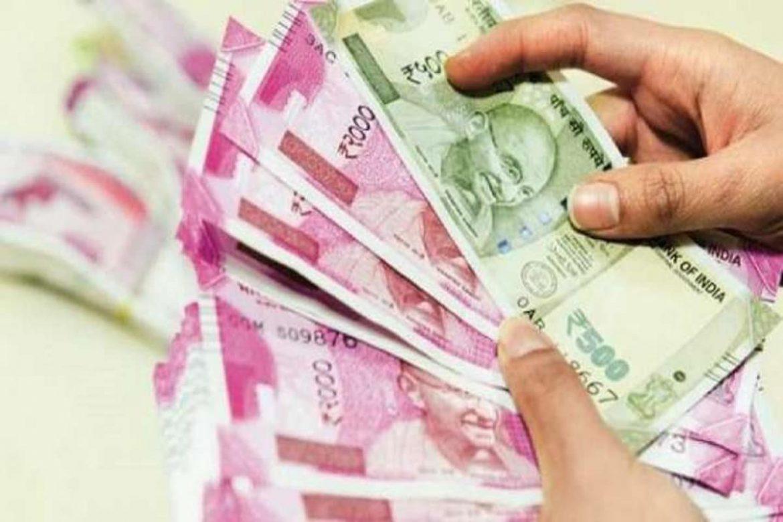 वित्त मंत्रालय आपको भी हर महीने देगा 1.30 लाख रुपये कैश? जानें यहां