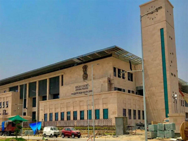 एक साथ 5 IAS अधिकारियों को जेल की सजा से मच गया हड़कंप